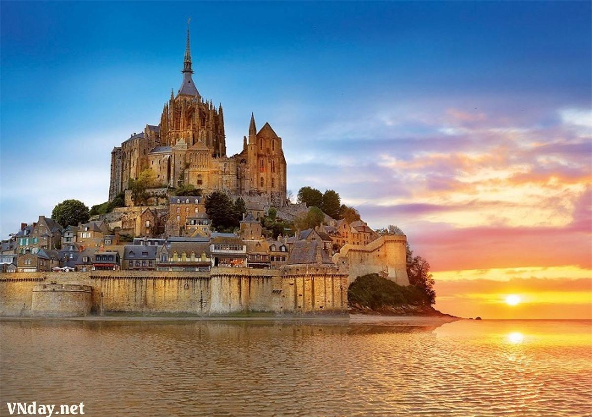 Tu viện Mont-Saint-Michel.