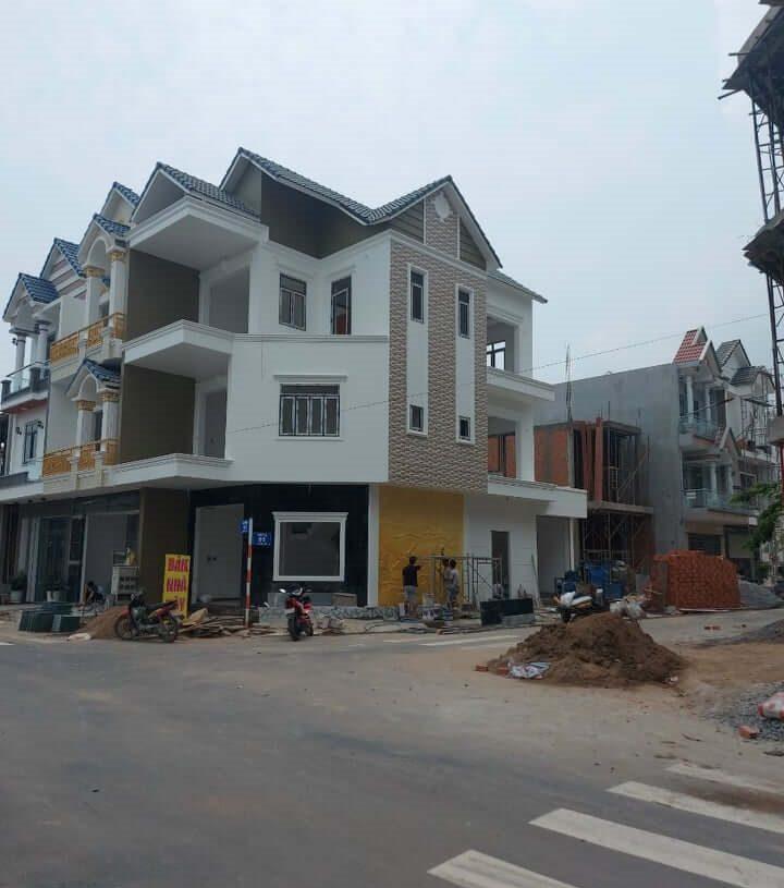 Biệt thự góc 2 mặt tiền trung tâm phường An Phú, Thành Phố Thuận An, Tỉnh Bình Dương cần bán gấp