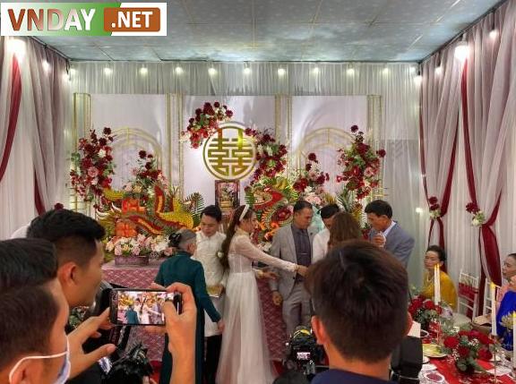 Nữ diễn viên được trao quà cưới khá nhiều từ người thân